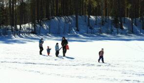 Pitkä viikonloppu ja talviulkoilua lapsiperheille